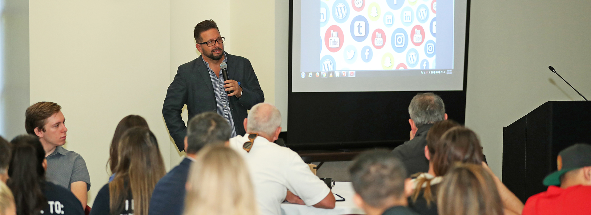 CSUSB Brown College of Business holds networking breakfast on social media and internet security