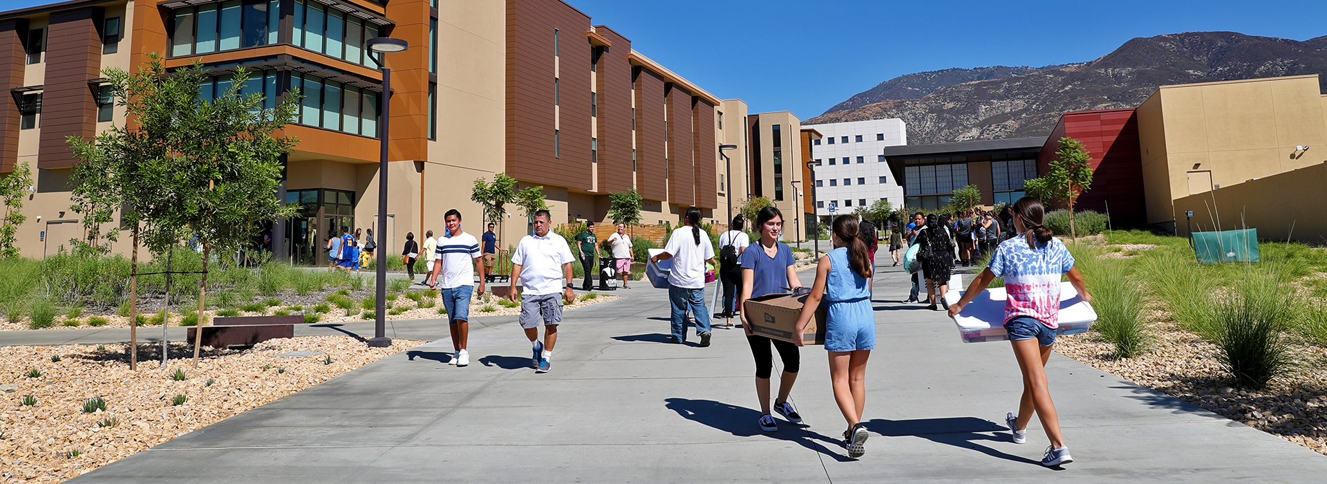 CSUSB launches new school year with students moving into campus
